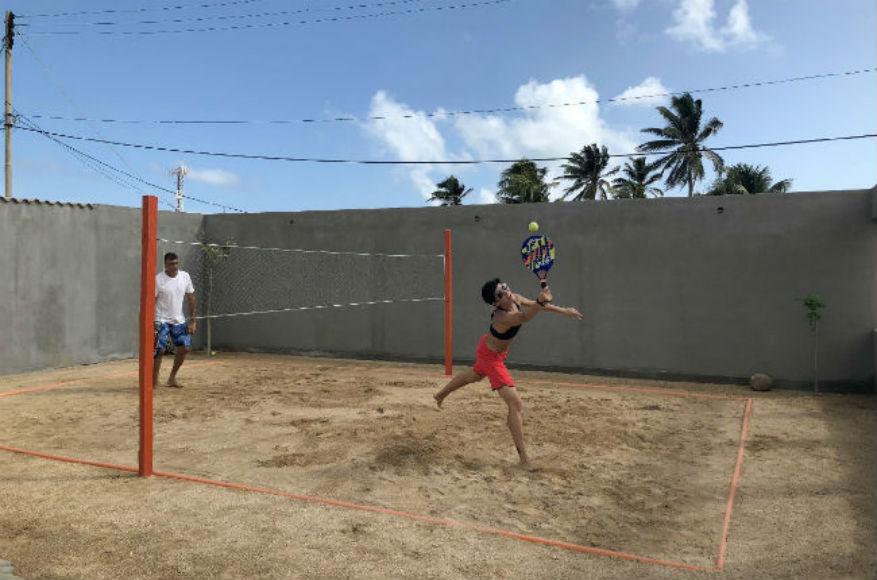 disfruta de la arena y el deporte